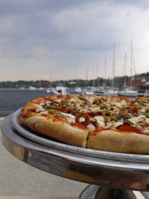 buoys eatery pizza