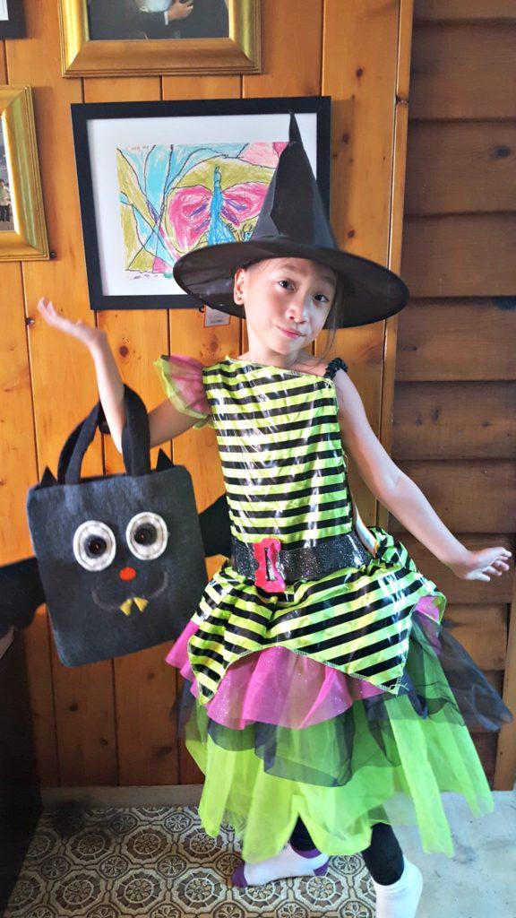 spooky-halloween-items-bag